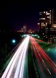 Notte sulla strada principale. Fotografia Stock