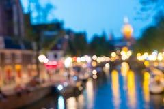 Notte urbana di Amsterdam ed ambiti di provenienza astratti di viaggio Fotografie Stock Libere da Diritti