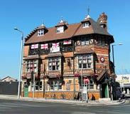 Nottingham England, trevlig byggnad i Mansfield Rd arkivfoton