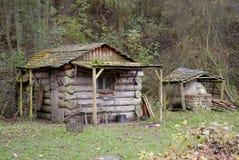 Notuje Kabinę na lasowym Lesie Fotografia Royalty Free