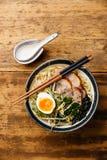 Nouille d'Udon avec du porc bouilli Image libre de droits