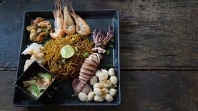 Nouille de fruits de mer avec le style thaïlandais photo libre de droits