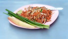 Nouille frite thaïe thaïe de garniture avec des légumes Images stock