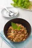 Nouille instantanée avec de la salade hachée épicée de porc, WI hachés de mâche de porc Photographie stock