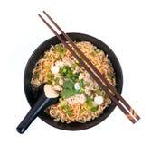 Nouille instantanée chinoise avec du porc haché Image stock