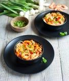 Nouilles avec les pousses et la crevette de haricot Photo stock