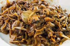 Nouilles de friture de Stir de Singapour avec des bucardes Photographie stock