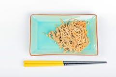 Nouilles de la Chine avec les légumes et la viande Photo libre de droits