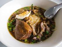 Nouilles de riz avec le canard cuit Photographie stock