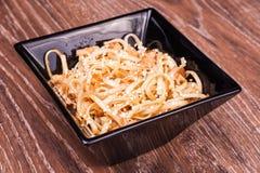 Nouilles frites d'udon Photographie stock libre de droits