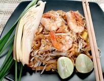 Nouilles frites thaïlandaises photos stock