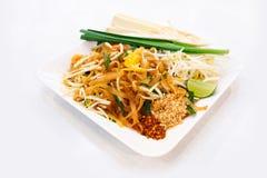 Nouilles frites thaïlandaises Garniture thaïe Photographie stock