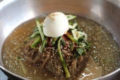 Nouilles froides coréennes image stock