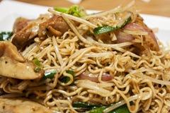 Nouilles instantanées frites, type de Hong Kong. photographie stock