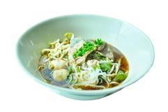 Nouilles thaïlandaises de porc photo stock