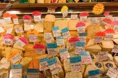 Nourriture à vendre à un marché d'intérieur à Vancouver Photo libre de droits