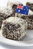Nourriture australienne de gâteau de Lamingtons d'indicateur Images stock