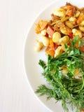 Nourriture avec des légumes du plat photos stock