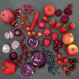 Nourriture biologique rouge et pourpre photo libre de droits