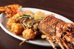 Nourriture chinoise savoureuse et chaude image stock