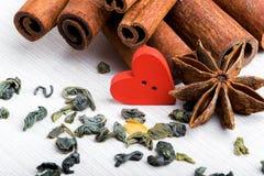 Nourriture cuite avec amour Le jour de Valentine Photographie stock libre de droits