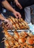 Nourriture cuite de rue de crabe image stock
