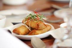Nourriture d'Asiatique de roulis de source Photos libres de droits