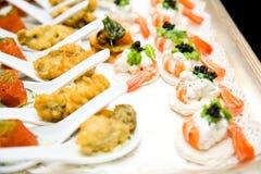 Nourriture de doigt prête pour la réception Images libres de droits