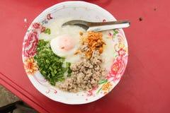 Nourriture de gruau de riz dans l'ouest de Thaïlande Photographie stock libre de droits