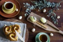 Nourriture de Pâques avec les chinois, le pain et les oeufs image libre de droits