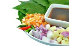 Nourriture enveloppée dans des feuilles Images stock