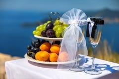 Nourriture et verres de mariage Image libre de droits