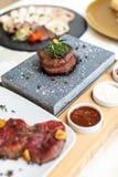 Nourriture exquise assiette Restaurant carte commande Plat exquis, concept créatif de repas de restaurant, nourriture de haute co images libres de droits