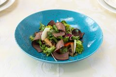 Nourriture exquise assiette Restaurant carte commande Plat exquis, concept créatif de repas de restaurant, nourriture de haute co image libre de droits