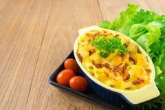nourriture faite maison de macaronis au fromage image libre de droits