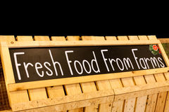 Nourriture fraîche de photographie de tableau noir de bannière de fermes Images stock