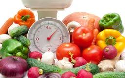 Nourriture fraîche et plan rapproché d'échelle de cuisine Photos stock