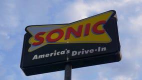 Nourriture Frankfort, Kentucky de Sonic American Drive In Fast - 18 juin 2019 banque de vidéos