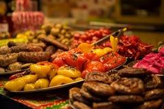 Nourriture grillée au marché en plein air Images libres de droits