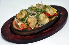 Nourriture indienne sur la cuvette Photos libres de droits