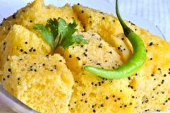 Nourriture indienne Dhokla Images libres de droits