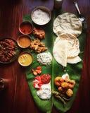 Nourriture indienne du sud sur un fond en bois photos libres de droits