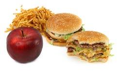 Nourriture industrielle et pomme photos libres de droits