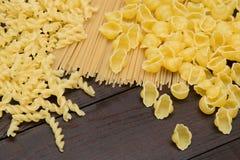 Nourriture italienne fraîche sur le fond en bois Photos libres de droits