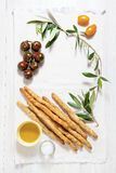 Nourriture italienne l'espace pour écrire le texte tomates colorées, St de pain Photo stock