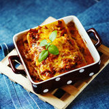 Nourriture italienne Plat de lasagne photo stock