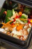 Nourriture jetée pour le compost image libre de droits