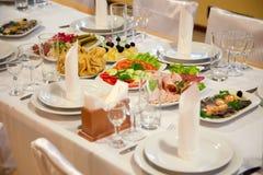 Nourriture à la table de banquet Image libre de droits