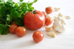 Nourriture réglée avec les légumes et l'ail Photographie stock libre de droits
