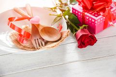 Nourriture romantique d'amour de dîner de valentines et amour faisant cuire le concept photo libre de droits